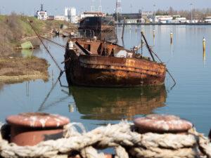Relitto di nave abbandonata