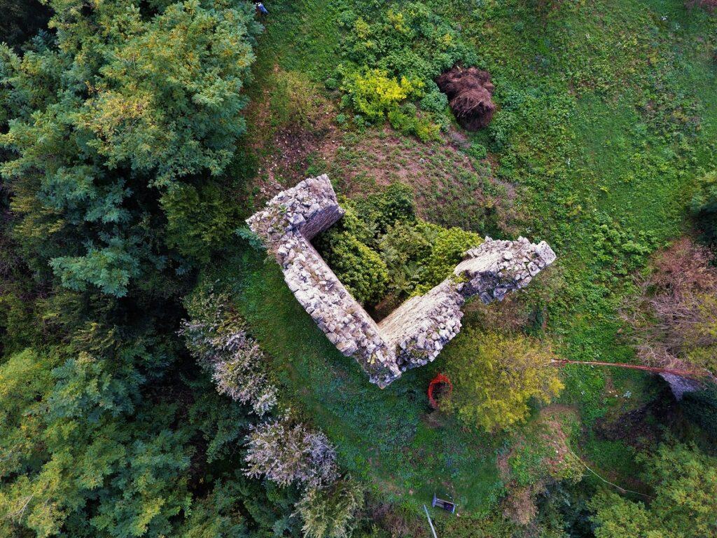 La Rocca abbandonata di Castelnuovo a Meldola